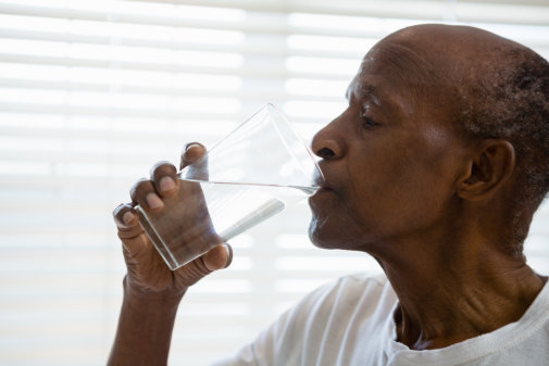 How to Help Your Senior Loved Ones Avoid Dehydration